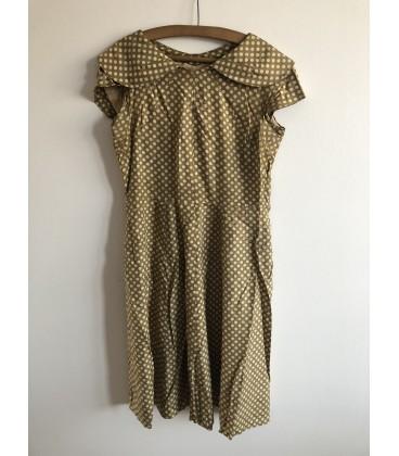 Puntíkaté šaty 50. léta